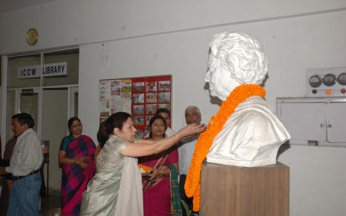 NCW remembers Smt Indira Gandhi on her birth day