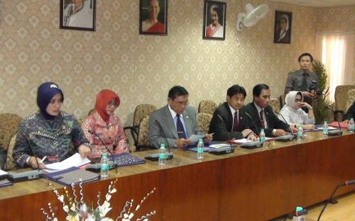 The delegation from the Law Formulation Committee of the Regional House of Representatives of Republic of Indonesia visited the commission