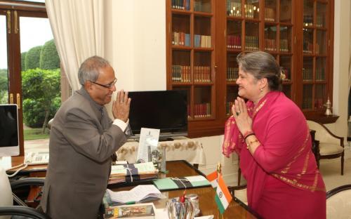 Smt. Ms. Mamta Sharma, Hon'ble Chairperson, NCW recently visited president house to meet Shri Pranab Mukherjee, Hon'ble President of India