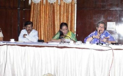 Smt. Mamta Sharma, Hon'ble Chairperson and Smt Nirmala Samant Prabhavalkar visited girls hostel and women's jail in Sindhudurg
