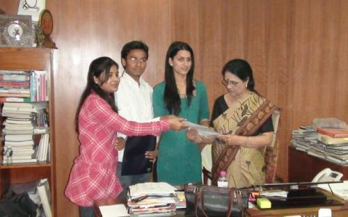 Student representatives give memorandum to Hon'able Chairperson, NCW on Radhika Murder Case at Dhaula Kuan, Delh
