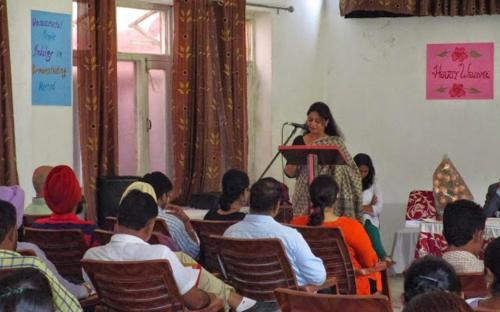 Member Shamina Shafiq addressing the gathering