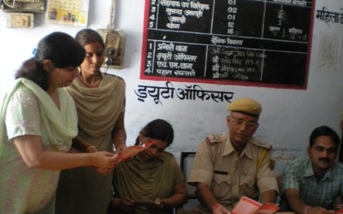 Member NCW, Dr Charu WaliKhanna at Mahila Help Desk, Mahila Police Station, Sawaimadhopur on 04.10.2011