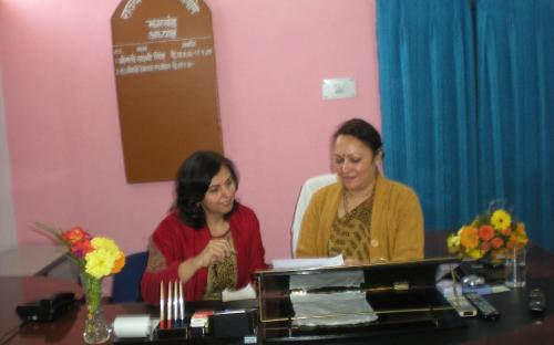 Dr Charu WaliKhanna, Member NCW in discussion with Smt. Hemlatha Mohan, Chairperson State Commission for Women, Jharkhand