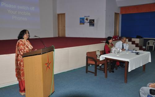 Ms.Sona Jamnagarwal, Faculty, Bank of India addressing participants