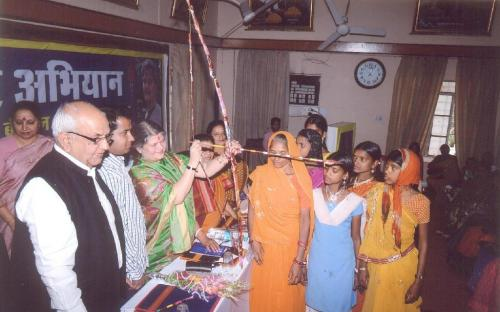 "Hon'ble Chairperson attended ""Mahila Adhikar Abhiyan"" organized by Shri Aasra Vikas Sansthan in collaboration with NCW"